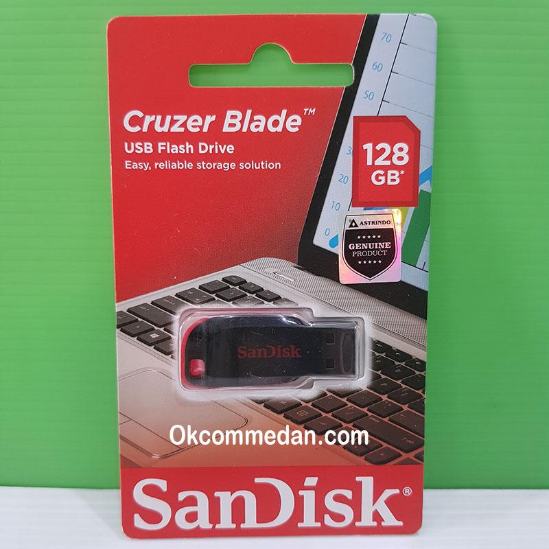 Flash drive Sandisk dengan kapasitas 128 Gb